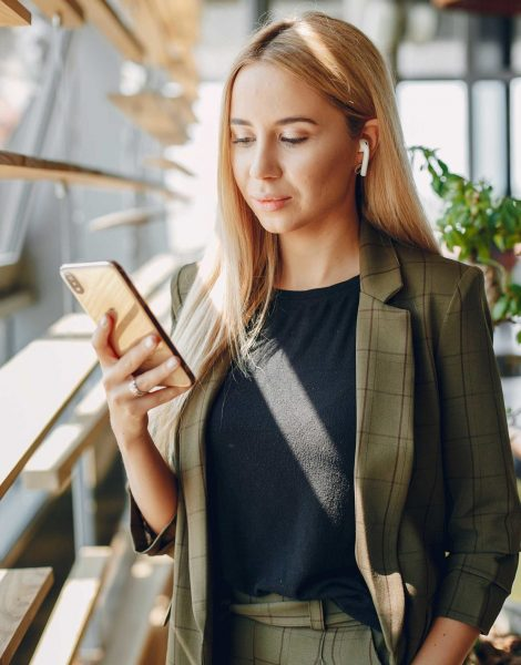 Beautiful woman working. Busineswoman in a stylish clothes